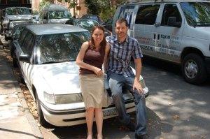 Amy, la conductora, y Diego, el reportero